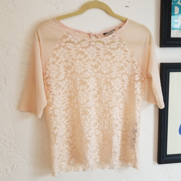 Guess Tops - Guess Sz M EUC Lace Pale Pink Top